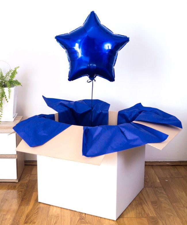 balon gwiazdka w pudełku z helem