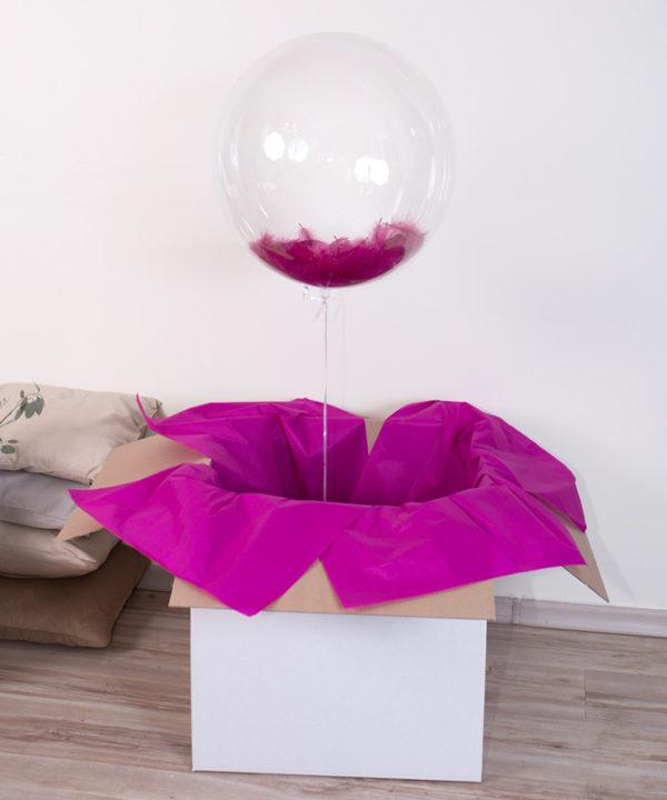 Balon kula z helem i piórkami w pudełku – Delikatność