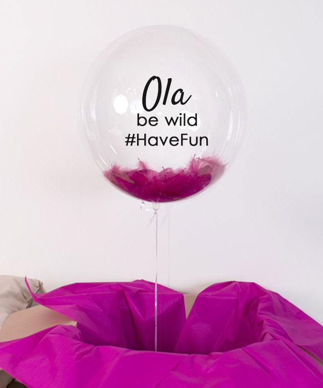 balon z helem na prezent