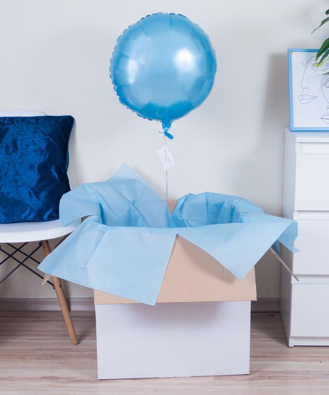 Balon z helem w prezentowym pudełku – Niebieska Chmurka