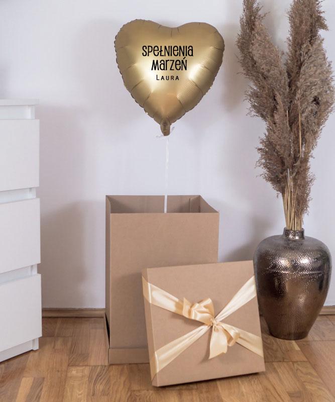 urodzinowy balon z helem w pudełku