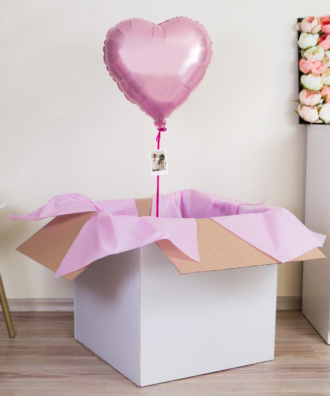 Balon różowe serce z helem w pudełku prezentowym – dla świadkowej
