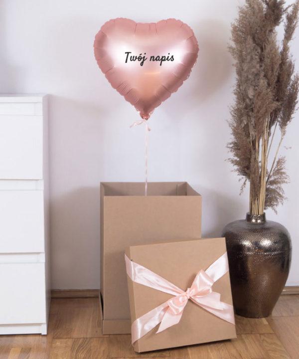 Balon z helem w prezentowym pudełku z Twoim napisem