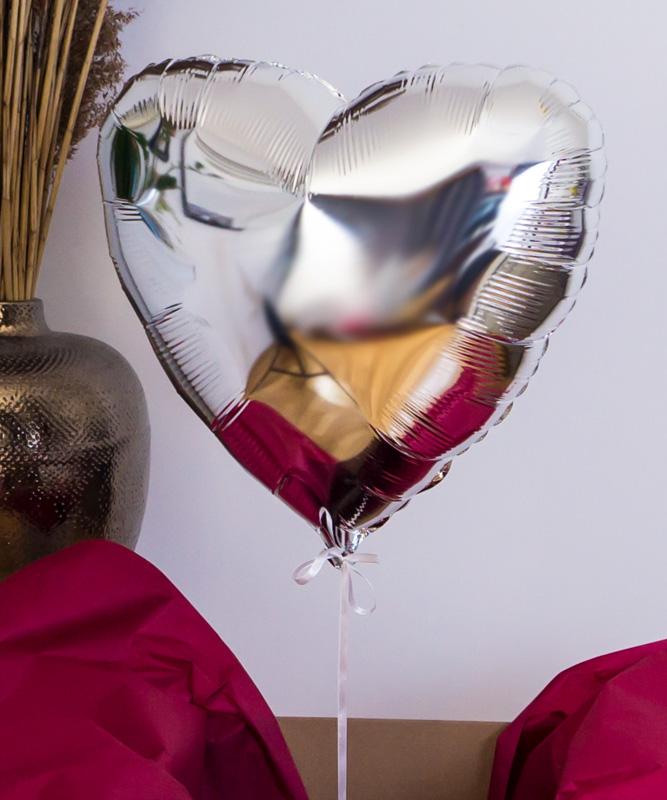 Balon z helem w białym prezentowym pudełku z Twoim napisem
