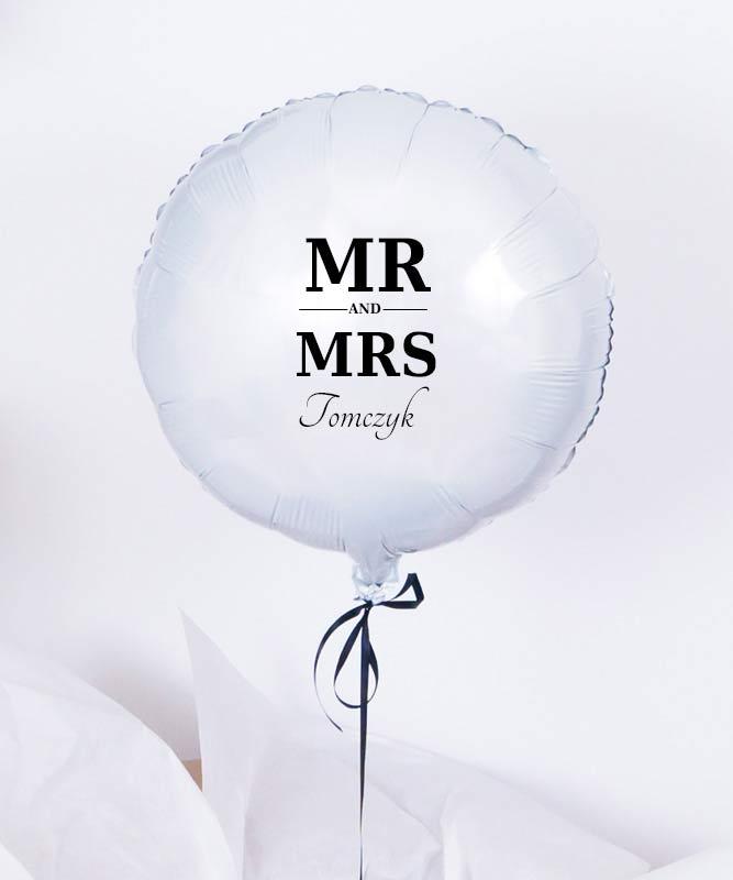 Balon z helem w pudełku na prezent – MR AND MRS