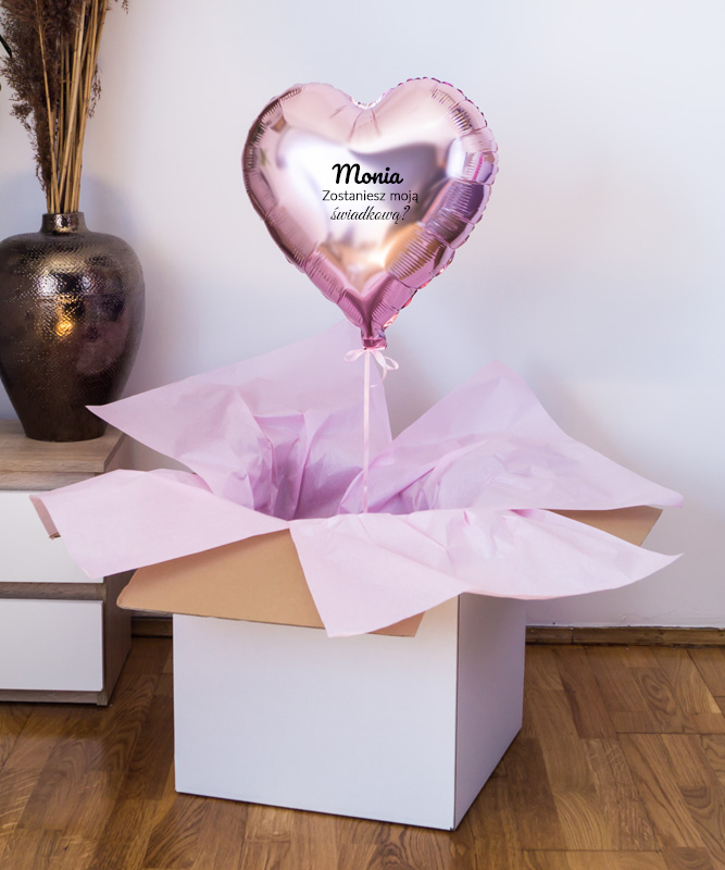 Prezent dla przyszłej świadkowej – balon z helem i imieniem w pudełku