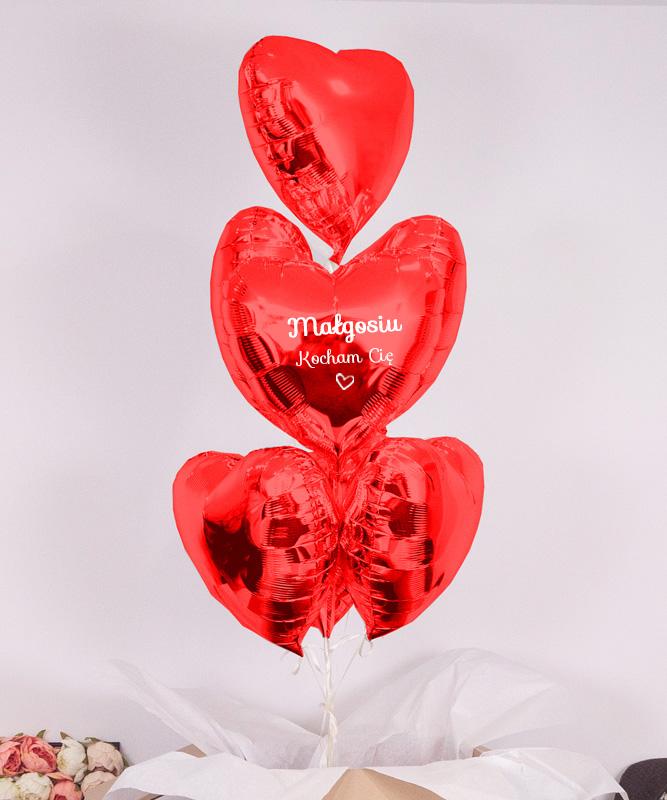 Pudło niespodzianka – czerwone serca z helem 7x miłość