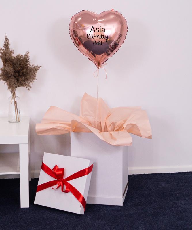 Balon serce różowe złoto na urodziny w prezentowym pudełku