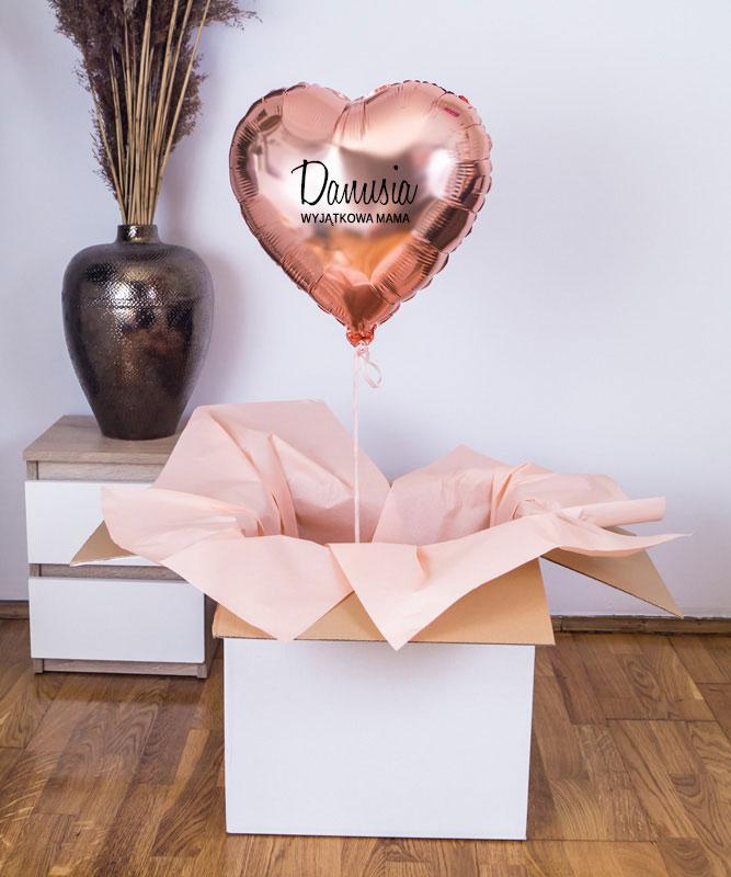 Balon serce z helem w pudełku + imię Mamy – Wyjątkowa