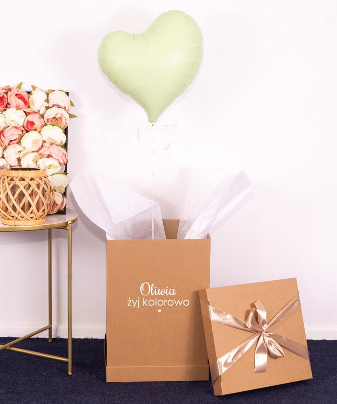 pastelowy balon serce w pudełku
