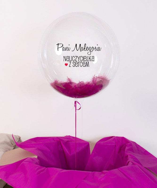 Prezent na Dzień Nauczyciela – balon z helem i piórkami